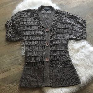Unique Open Weave Short sleeve Fitted Cardigan M L